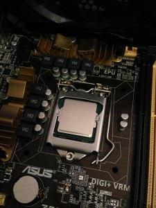 An example of an Intel Core i5 4670k in the LGA 1150 socket.