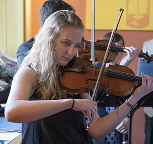 Amanda Stenroos, violin